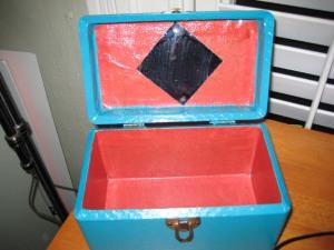 004-366 Box-b-02